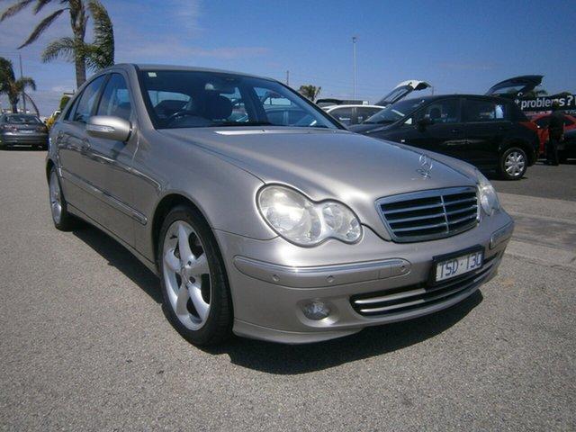 Used Mercedes-Benz C-Class W203 MY2006 C350 Avantgarde Cheltenham, 2005 Mercedes-Benz C-Class W203 MY2006 C350 Avantgarde Gold 7 Speed Sports Automatic Sedan