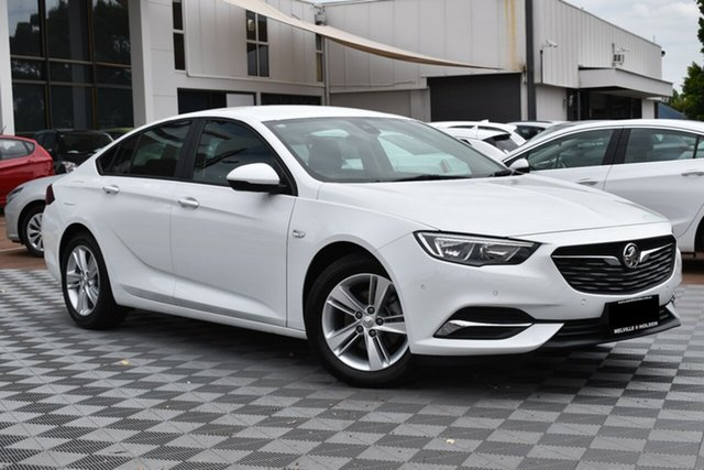 Used Holden Commodore ZB MY19 LT Liftback, 2019 Holden Commodore ZB MY19 LT Liftback Summit White 9 Speed Sports Automatic Liftback