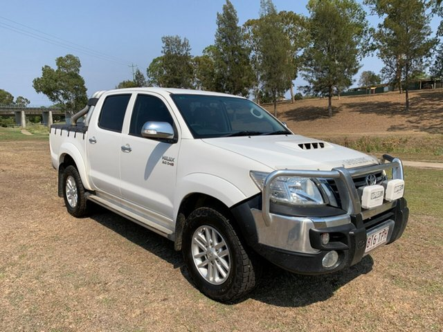 Used Toyota Hilux KUN26R MY12 SR5 (4x4), 2013 Toyota Hilux KUN26R MY12 SR5 (4x4) Glacier White 5 Speed Manual Dual Cab Pick-up