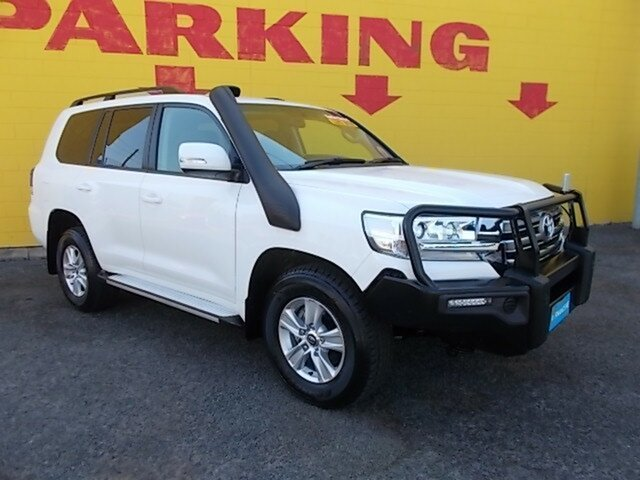Used Toyota Landcruiser VDJ200R GXL, 2017 Toyota Landcruiser VDJ200R GXL White 6 Speed Sports Automatic Wagon