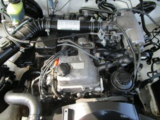 2000 Toyota Hilux RZN149R 5 Speed Manual Cab Chassis