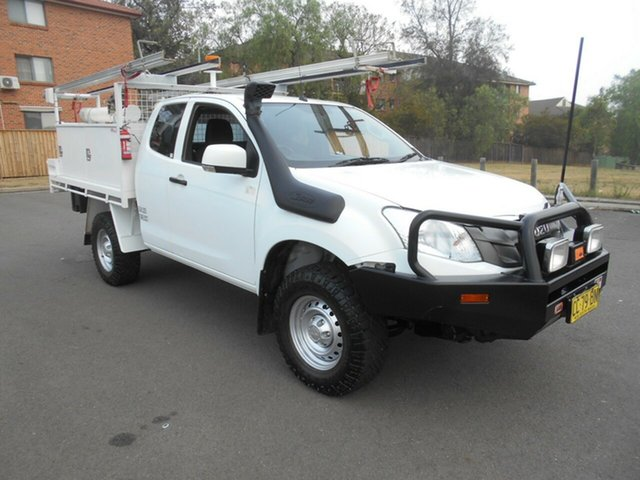 Used Isuzu D-MAX TF MY15 SX (4x4), 2014 Isuzu D-MAX TF MY15 SX (4x4) White 5 Speed Manual Space Cab Chassis