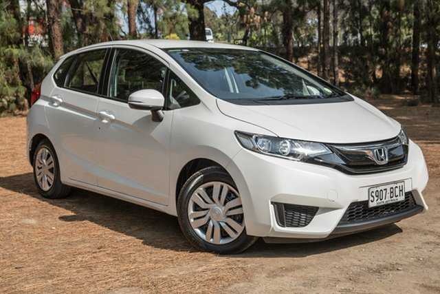 Used Honda Jazz GF MY15 VTi, 2014 Honda Jazz GF MY15 VTi White 5 Speed Manual Hatchback