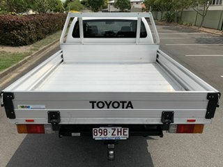 2014 Toyota Hilux KUN26R White 5 Speed Automatic Dual Cab