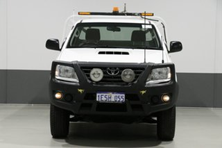 2015 Toyota Hilux KUN26R MY14 SR (4x4) White 5 Speed Manual Cab Chassis.
