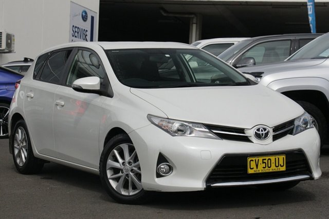 Used Toyota Corolla ZRE182R Ascent Sport S-CVT, 2013 Toyota Corolla ZRE182R Ascent Sport S-CVT Pearl White 7 Speed Constant Variable Hatchback