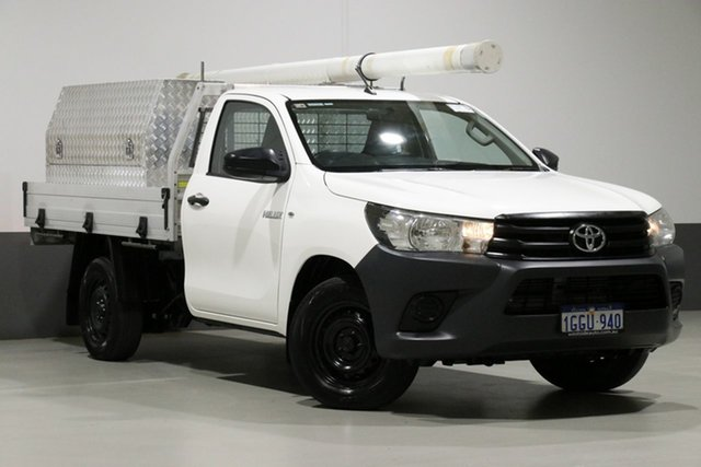 Used Toyota Hilux GUN122R Workmate, 2017 Toyota Hilux GUN122R Workmate White 5 Speed Manual Cab Chassis