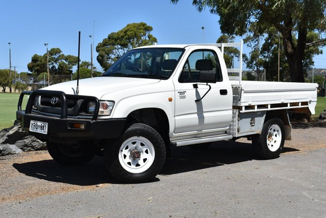 Used Toyota Hilux LN167R MY04 , 2004 Toyota Hilux LN167R MY04 White 5 Speed Manual Cab Chassis