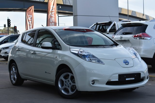 Used Nissan Leaf ZE0 , 2012 Nissan Leaf ZE0 White 1 Speed Reduction Gear Hatchback