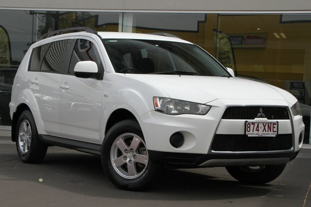 Used Mitsubishi Outlander ZH MY12 LS 2WD, 2011 Mitsubishi Outlander ZH MY12 LS 2WD White 5 Speed Manual Wagon