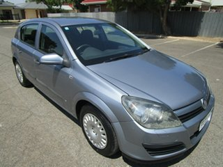 2005 Holden Astra AH CD 5 Speed Manual Hatchback