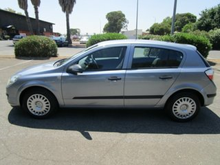 2005 Holden Astra AH CD 5 Speed Manual Hatchback.