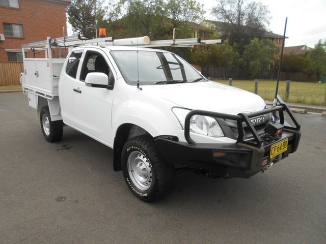 Used Isuzu D-MAX TF MY12 SX (4x4), 2013 Isuzu D-MAX TF MY12 SX (4x4) White 5 Speed Manual Space Cab Chassis