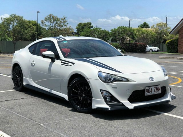 Used Toyota 86 ZN6 Blackline Edition, 2015 Toyota 86 ZN6 Blackline Edition White 6 Speed Sports Automatic Coupe