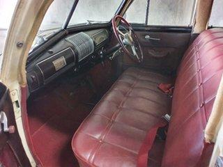 1939 Buick Super 8/40 Cream 3 Speed Manual Sedan.