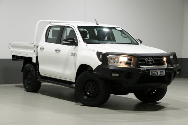 Used Toyota Hilux GUN126R SR (4x4), 2017 Toyota Hilux GUN126R SR (4x4) White 6 Speed Automatic Dual Cab Chassis
