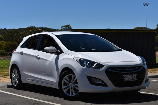 Used Hyundai i30 GD SE Coupe, 2013 Hyundai i30 GD SE Coupe White 6 Speed Sports Automatic Hatchback