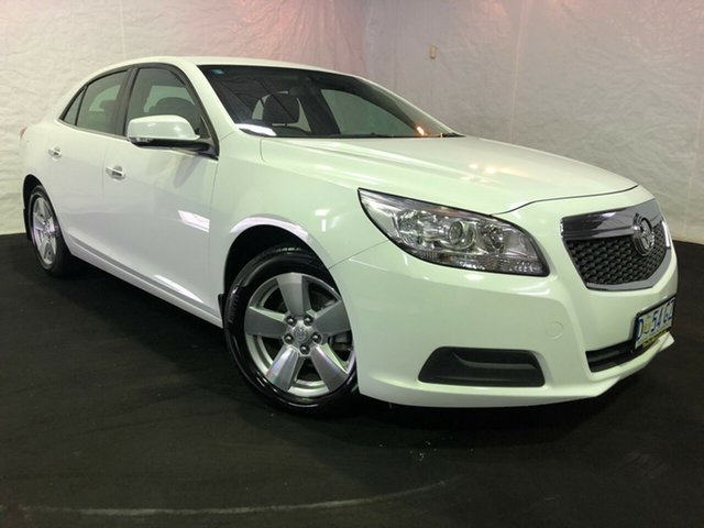 Used Holden Malibu V300 MY13 CD, 2013 Holden Malibu V300 MY13 CD Summit White 6 Speed Sports Automatic Sedan