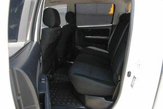 2014 Toyota Hilux KUN26R MY14 SR Double Cab Glacier White 5 Speed Automatic Utility