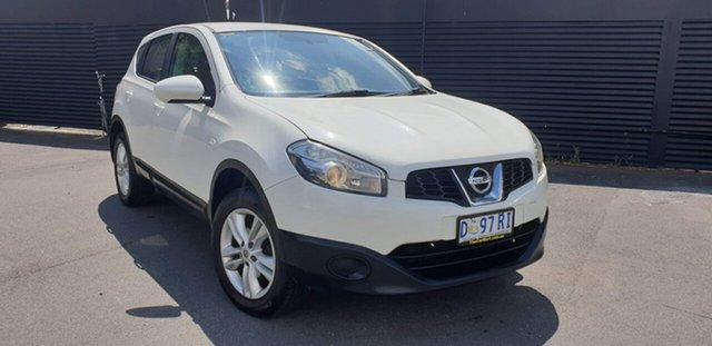 Used Nissan Dualis J10W Series 4 MY13 ST Hatch X-tronic 2WD, 2013 Nissan Dualis J10W Series 4 MY13 ST Hatch X-tronic 2WD White 6 Speed Constant Variable