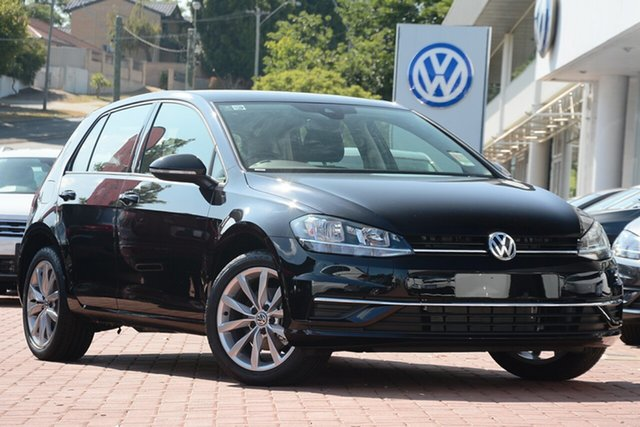 New Volkswagen Golf 7.5 MY19.5 110TSI DSG Comfortline, 2019 Volkswagen Golf 7.5 MY19.5 110TSI DSG Comfortline Deep Black Pearl Effect 7 Speed