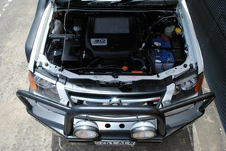 2011 Holden Colorado RC MY11 LX Crew Cab Alpine White 5 Speed Manual Cab Chassis