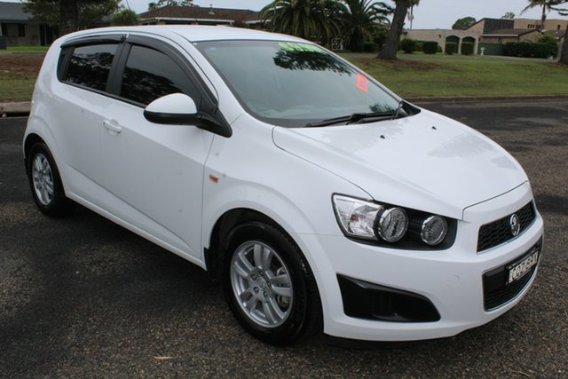Used Holden Barina TM MY14 CD, 2013 Holden Barina TM MY14 CD White 5 Speed Manual Hatchback