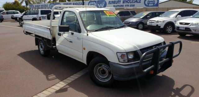 Used Toyota Hilux LN147R MY02 4x2, 2003 Toyota Hilux LN147R MY02 4x2 White 5 Speed Manual Cab Chassis
