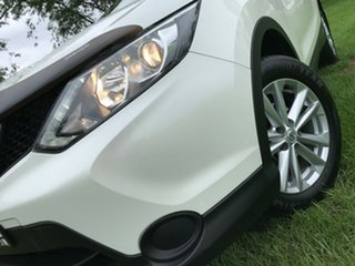 2016 Nissan Qashqai J11 ST White 6 Speed Manual Wagon