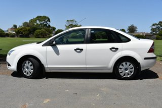 2007 Ford Focus LT CL White 4 Speed Sports Automatic Sedan.