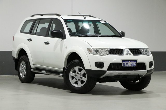 Used Mitsubishi Challenger PB MY12 (4x2), 2013 Mitsubishi Challenger PB MY12 (4x2) White 5 Speed Manual Wagon