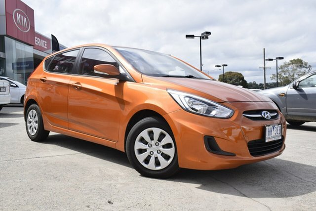 Used Hyundai Accent RB3 MY16 Active, 2015 Hyundai Accent RB3 MY16 Active Orange 6 Speed Manual Hatchback