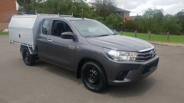 Used Toyota Hilux GUN123R SR, 2015 Toyota Hilux GUN123R SR Grey 5 Speed Manual X Cab Utility