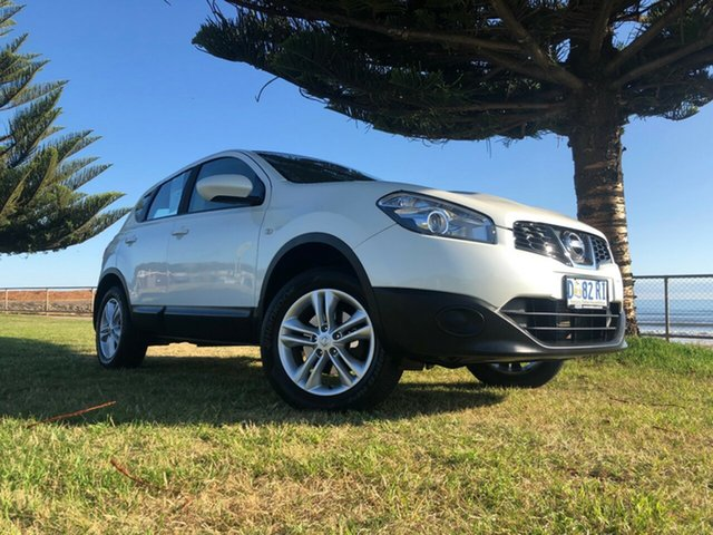 Used Nissan Dualis J10W Series 4 MY13 ST Hatch X-tronic 2WD, 2013 Nissan Dualis J10W Series 4 MY13 ST Hatch X-tronic 2WD Snow Storm 6 Speed Constant Variable