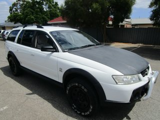 2007 Holden Adventra VZ MY06 Upgrade SX6 5 Speed Automatic Wagon.