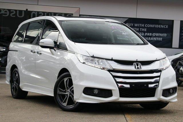 Used Honda Odyssey  VTi-L, 2016 Honda Odyssey 17YM VTi-L White Pearl Automatic 5D People Mover
