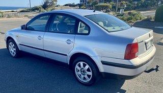 1998 Volkswagen Passat Silver 4 Speed Automatic Sedan.
