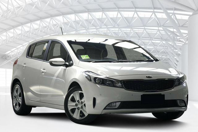 Used Kia Cerato YD MY17 S, 2017 Kia Cerato YD MY17 S Clear White 6 Speed Auto Seq Sportshift Hatchback