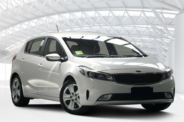 Used Kia Cerato YD MY17 S, 2017 Kia Cerato YD MY17 S Clear White 6 Speed Auto Seq Sportshift Hatchback