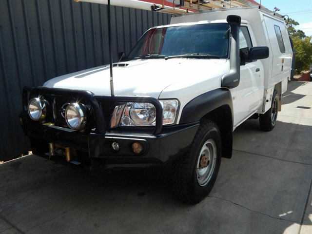 Used Nissan Patrol Y61 GU 6 SII MY13 DX, 2013 Nissan Patrol Y61 GU 6 SII MY13 DX White 5 Speed Manual Cab Chassis