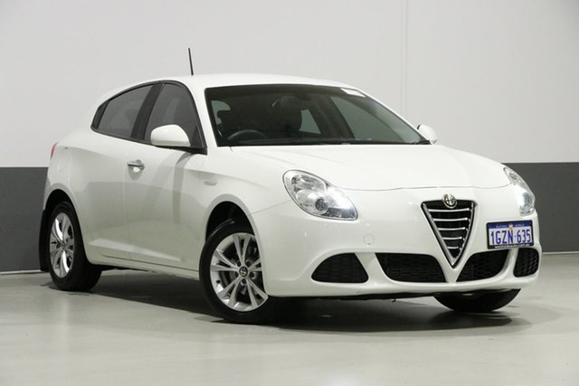 Used Alfa Romeo Giulietta  Progression 1.4, 2015 Alfa Romeo Giulietta Progression 1.4 White 6 Speed Manual Hatchback