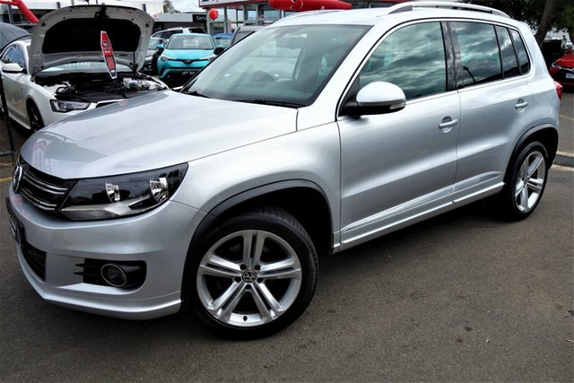 Used Volkswagen Tiguan 5N MY15 155TSI DSG 4MOTION R-Line Seaford, 2015 Volkswagen Tiguan 5N MY15 155TSI DSG 4MOTION R-Line Silver 7 Speed Sports Automatic Dual Clutch