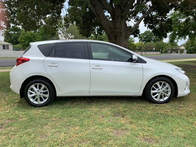 Used Toyota Corolla ZRE182R Ascent Sport S-CVT, 2014 Toyota Corolla ZRE182R Ascent Sport S-CVT White 7 Speed Constant Variable Hatchback