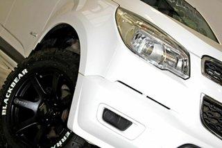 2014 Holden Colorado RG MY14 LX (4x2) White 6 Speed Automatic Crew Cab Pickup.