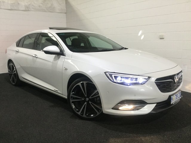Used Holden Calais ZB MY18 V Liftback AWD, 2018 Holden Calais ZB MY18 V Liftback AWD Abalone White 9 Speed Sports Automatic Liftback