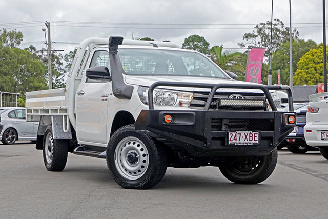 Used Toyota Hilux GUN126R SR, 2017 Toyota Hilux GUN126R SR White 6 Speed Sports Automatic Cab Chassis