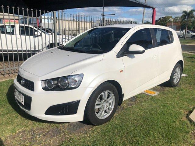 Used Holden Barina TM MY14 CD, 2014 Holden Barina TM MY14 CD White 6 Speed Automatic Hatchback