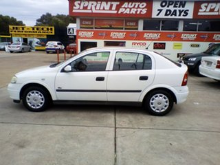 2003 Holden Astra TS MY03 City White 5 Speed Manual Hatchback