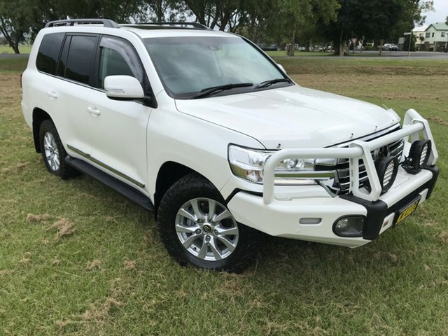 Used Toyota Landcruiser VDJ200R Sahara, 2016 Toyota Landcruiser VDJ200R Sahara White 6 Speed Sports Automatic Wagon