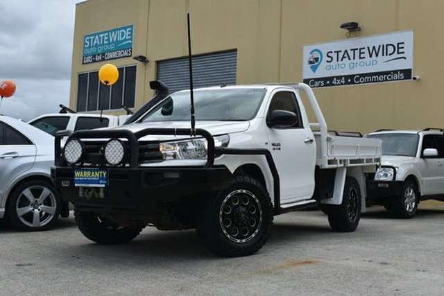 Used Toyota Hilux GUN126R MY17 SR (4x4), 2017 Toyota Hilux GUN126R MY17 SR (4x4) White 6 Speed Manual Cab Chassis